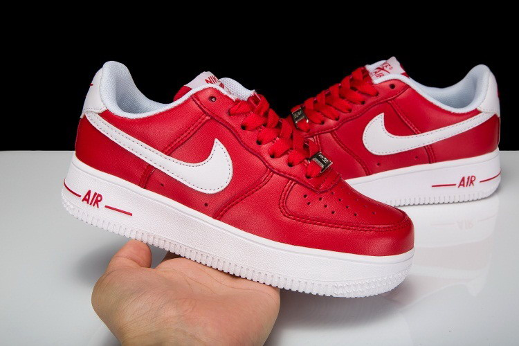 nike air force 1 rouge enfant